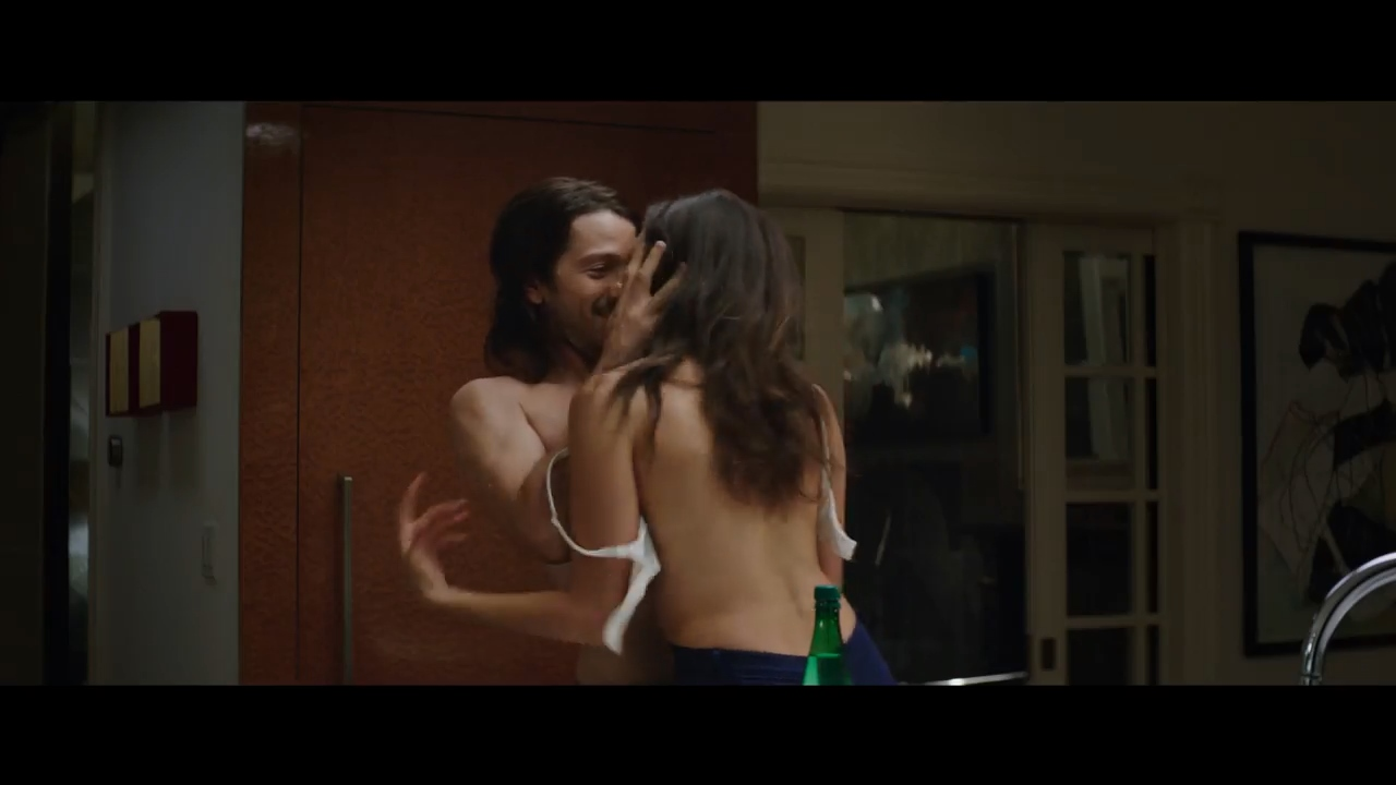 Ray (Diego Luna) and Marlo (Nina Dobrev)